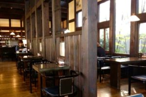 徳島コーヒーワークス店内